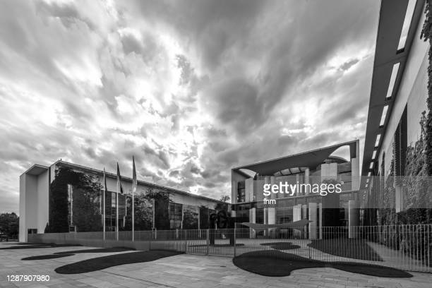 german chancellery (bundeskanzleramt) - berlin, germany - german chancellery stock pictures, royalty-free photos & images