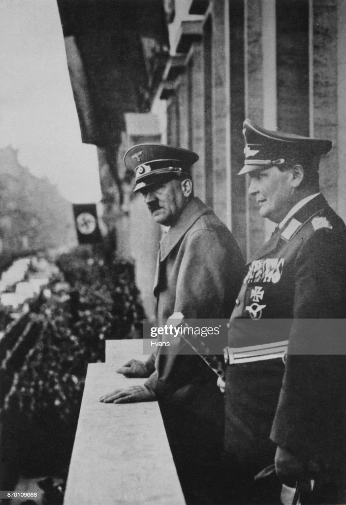 Hitler And Goering In Vienna : News Photo
