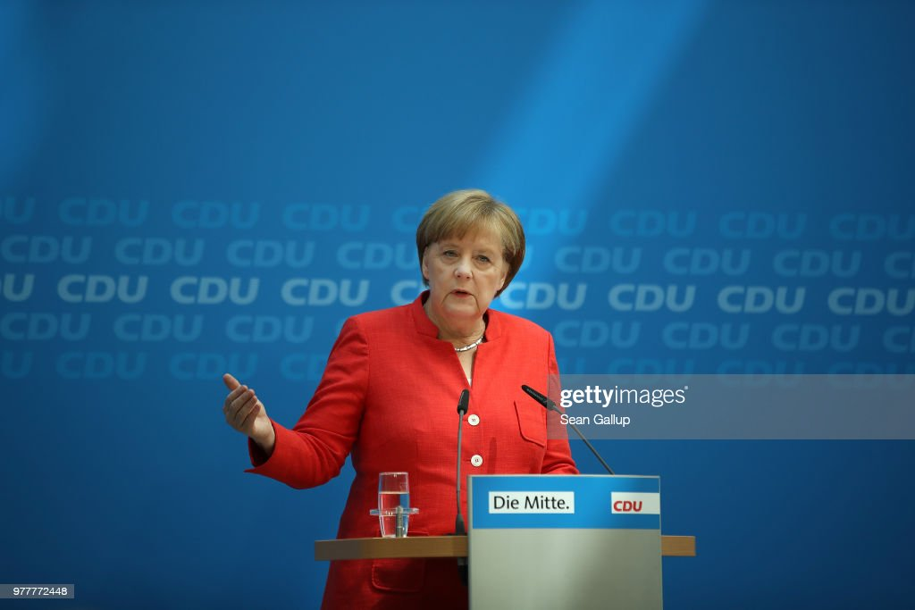 Merkel Holds Press Conference Over Migrants Policy Disagreement : ニュース写真