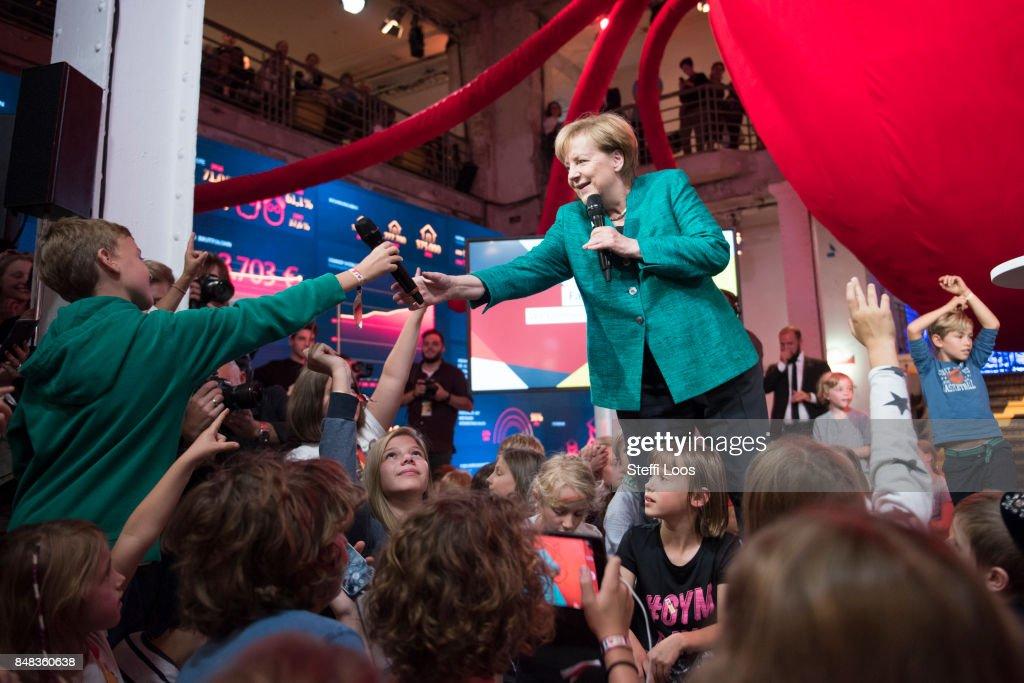 Merkel Holds Children's Press Conference At CDU Election Program House : News Photo