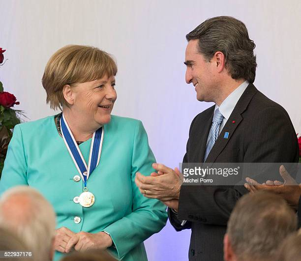 German Chancellor Angela Merkel and Bruno Stagno Ugarte of Human Rights Watch attend the Four Freedoms Awards on April 21 2016 in Middelburg...