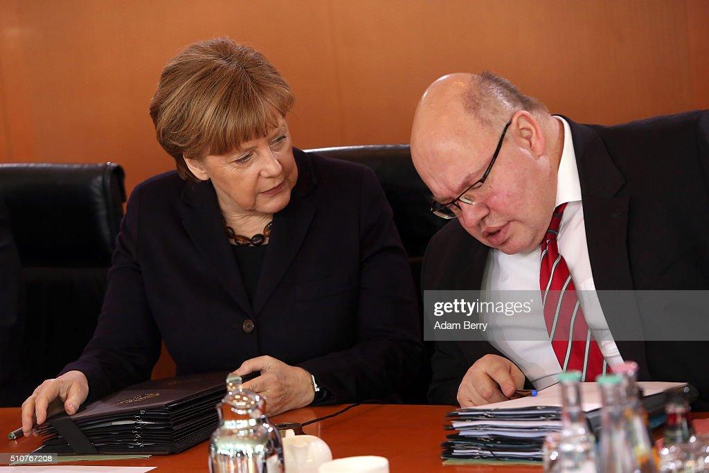 Weekly Government Cabinet Meeting : Nachrichtenfoto