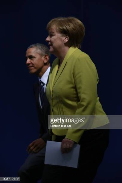 German Chancellor Angela Merkel and US President Barack Obama give a press conference on 24 April 2016 at Castle Herrenhausen in Hanover