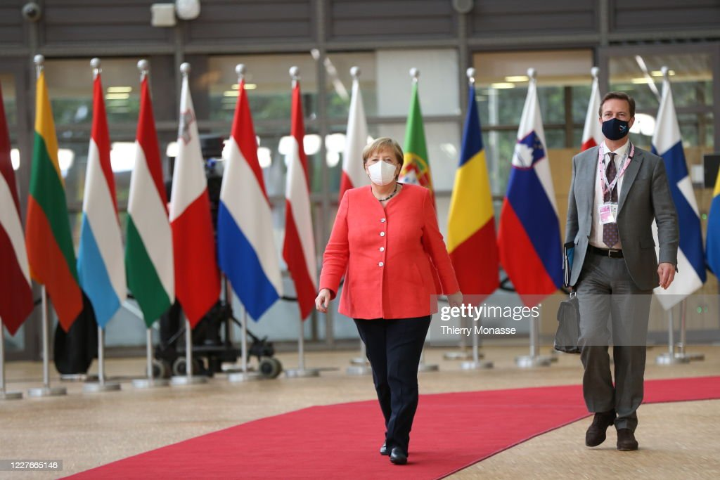 EU Leaders Meet In Brussels For COVID-19 Crisis Talks : ニュース写真