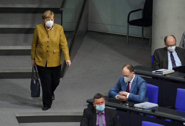 DEU: Bundestag Debates Reducing Lockdown Measures