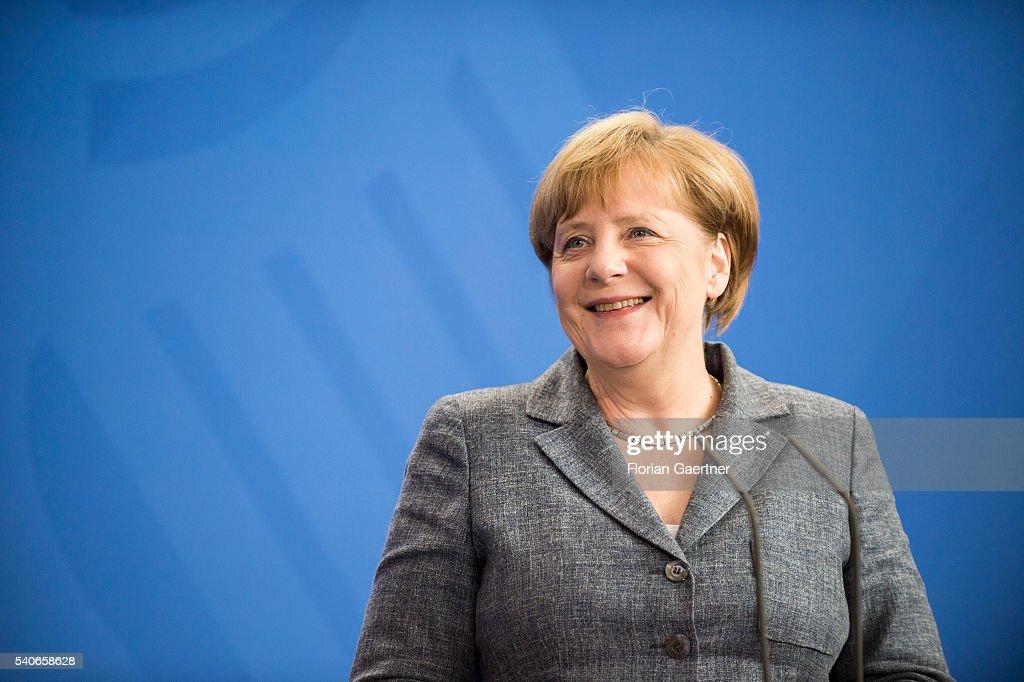 Prime Minister Of Slovakia Fico Visits Merkel