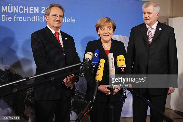German Chancellor Angela Merkel Christian Ude lord mayor of Munich and Bavaria's State Premier Horst Seehofer address the media during a reception at...