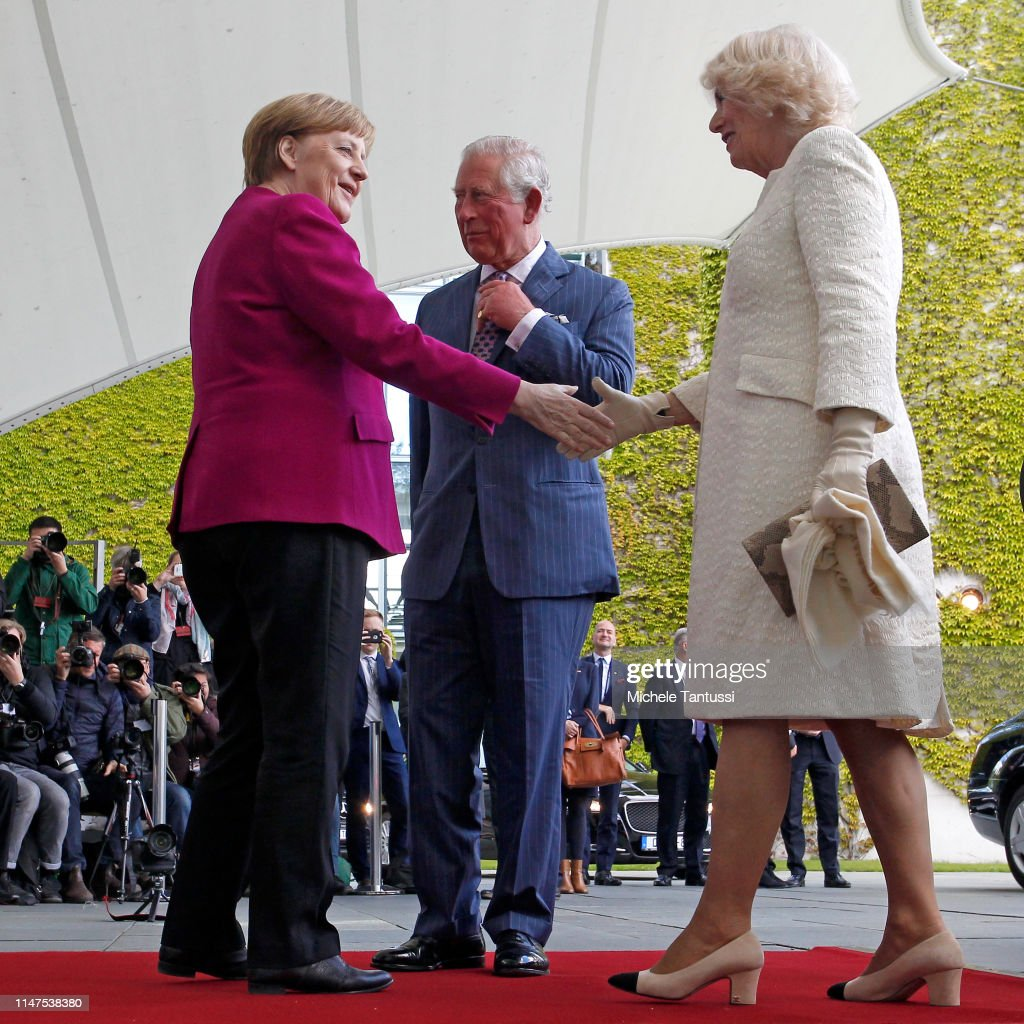 german-chancellor-angela-merkel-greets-prince-charles-prince-of-wales-picture-id1147538380