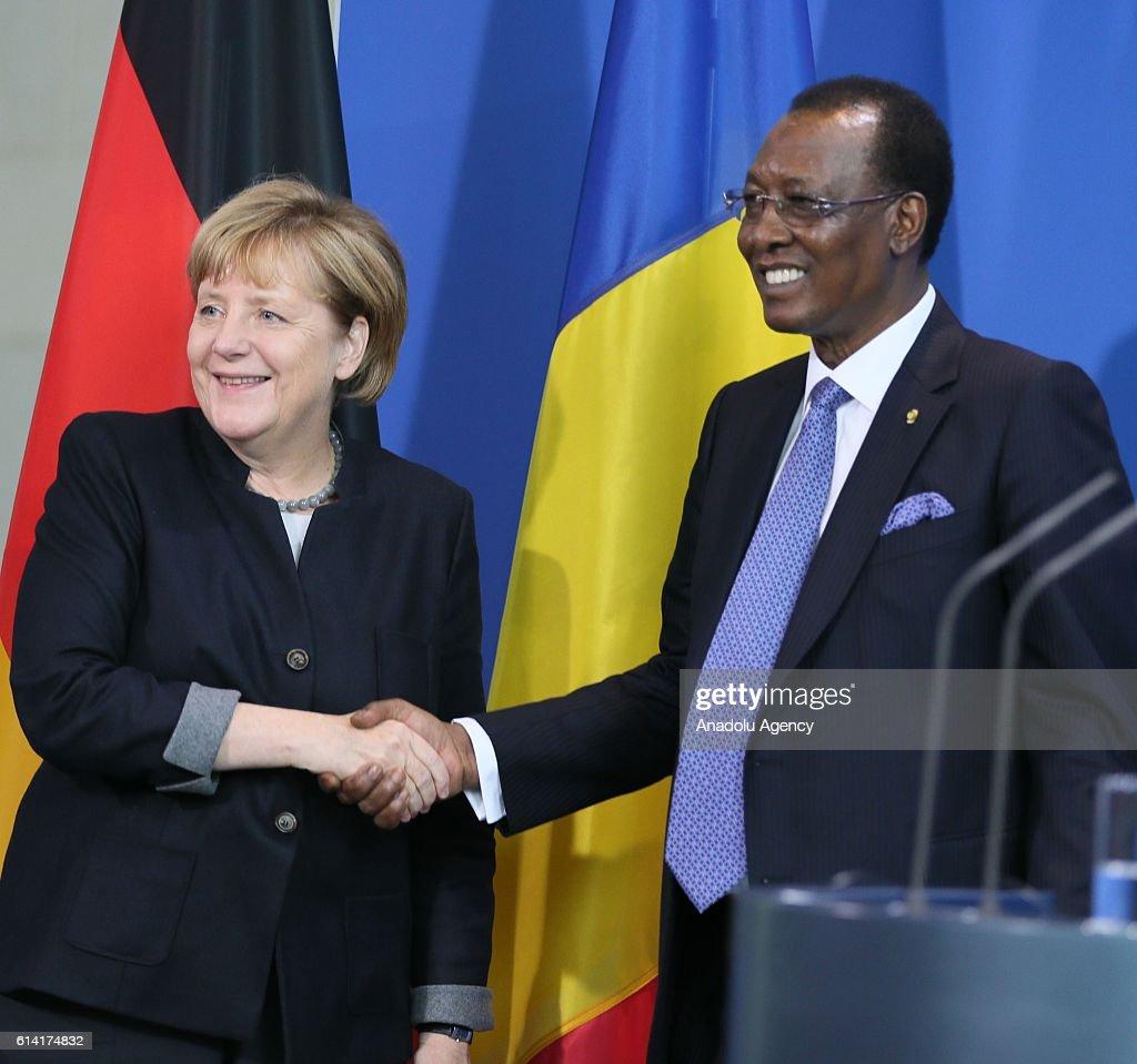 Angela Merkel - Idriss Deby press conference in Berlin : News Photo