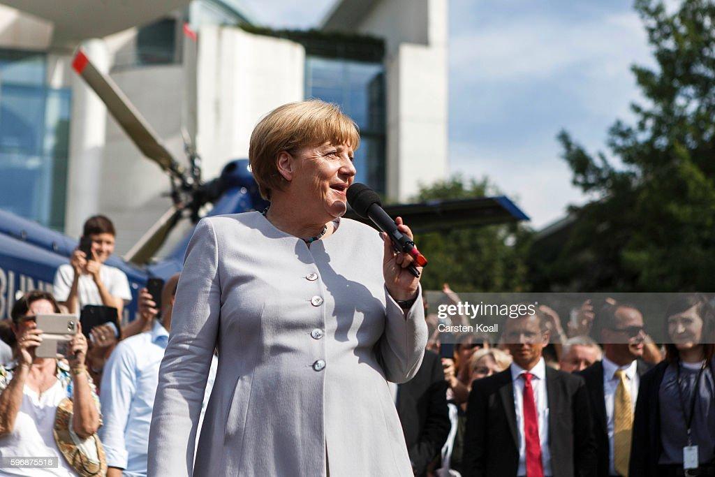 Merkel Hosts Open Chancellery Day : News Photo