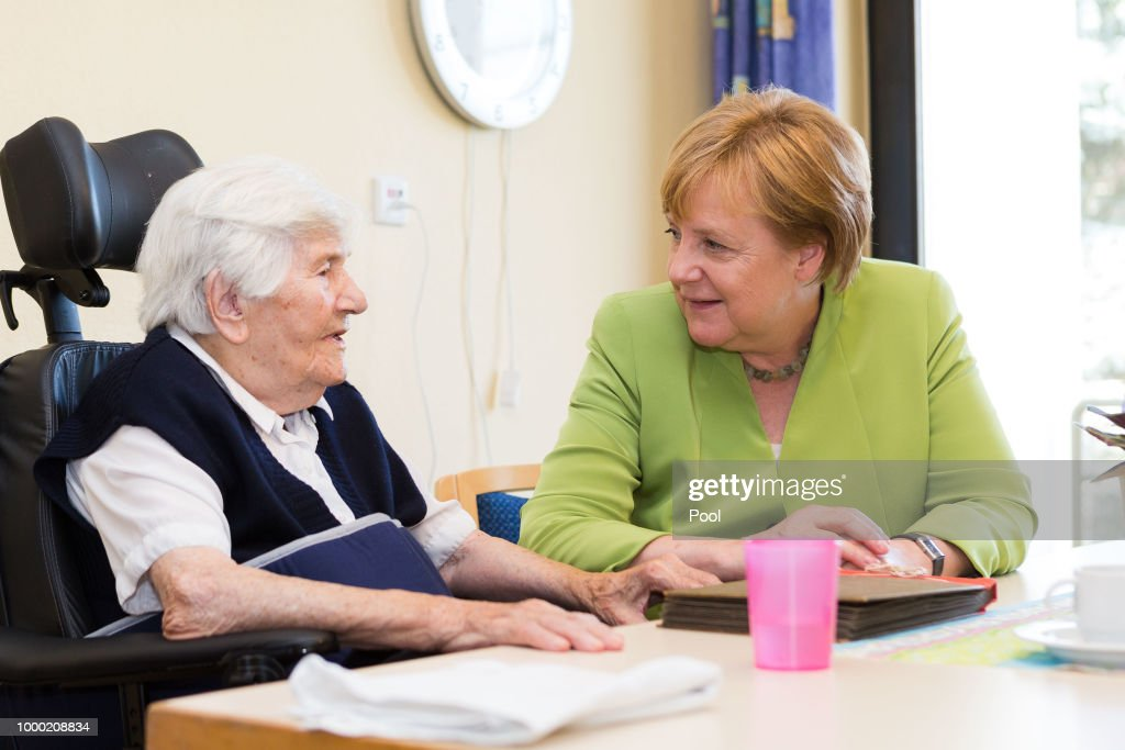 Merkel Visits Senior Care Facility