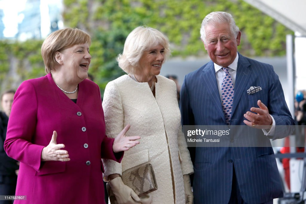 german-chancellor-angela-merkel-welcomes-camilla-duchess-of-cornwall-picture-id1147537607
