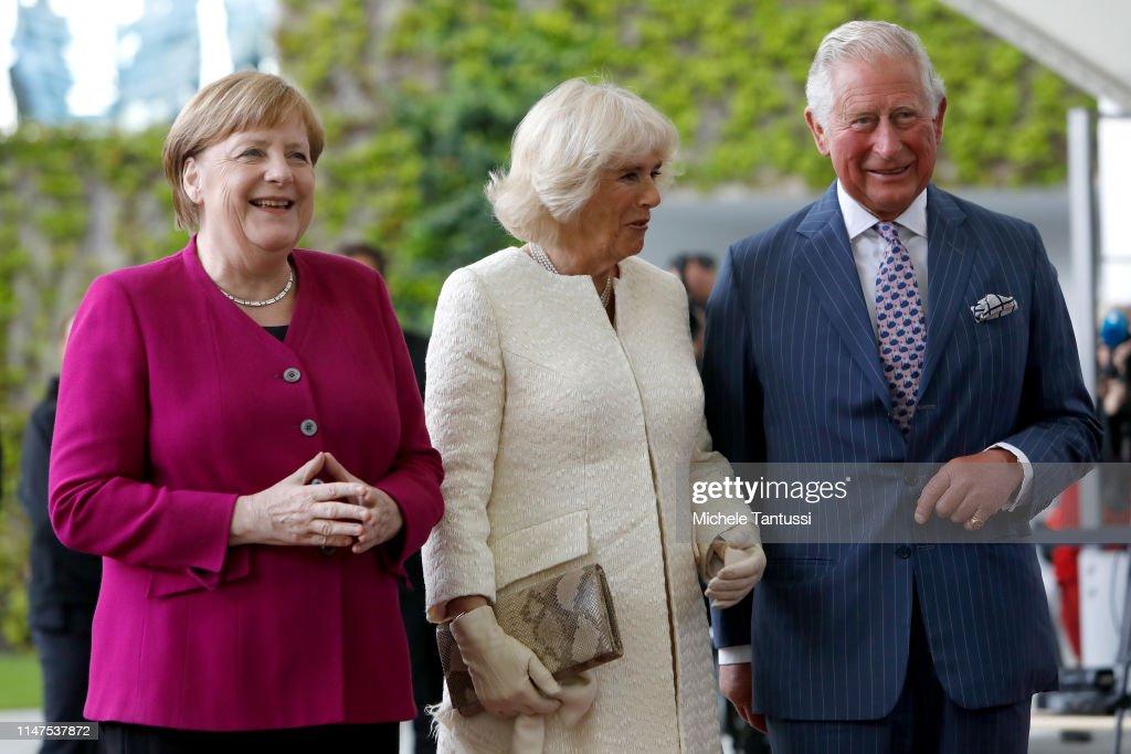 german-chancellor-angela-merkel-welcomes-camilla-duchess-of-cornwall-picture-id1147537872