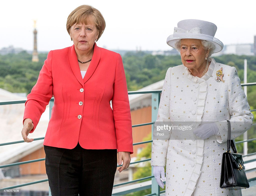Queen Elizabeth II Visits Berlin : News Photo