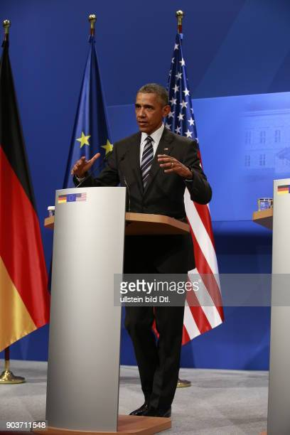 German Chancellor Angela_Merkel and US President Barack Obama give a press conference on 24 April 2016 at Castle Herrenhausen in Hanover