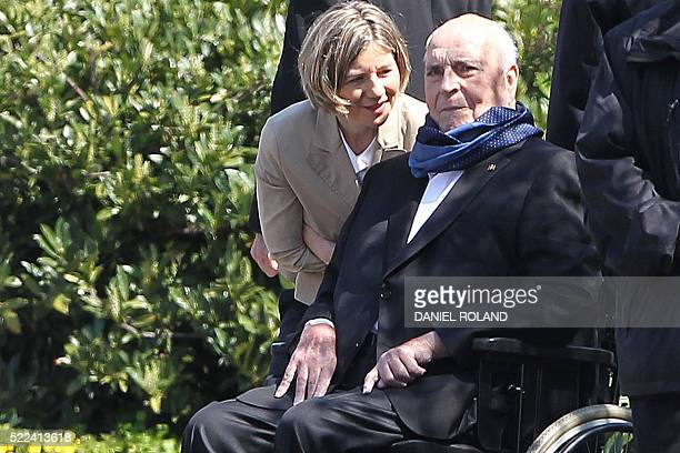 German Chancellor Helmut Kohl and his wife Maike KohlRichter look as Hungarian Prime Minister Viktor Orban leaves their home in Oggersheim near...