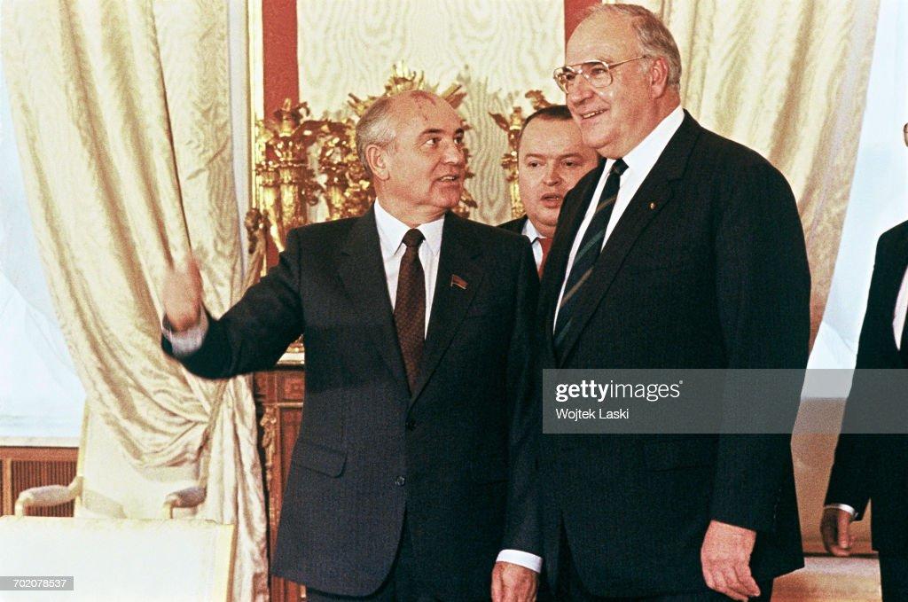 Mikhail Gorbachev And Helmut Kohl : News Photo