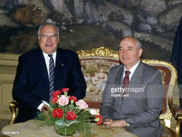 German chancellor Helmut Kohl's visit to the Soviet Union Pictured Mikhail Gorbachev and Helmut Kohl Moscow Russia 1990