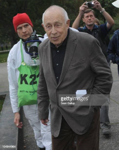 German Christian Democrat Heiner Geissler who has been commissioned to mediate between the conflicting parties in the Stuttgart 21 railway station...