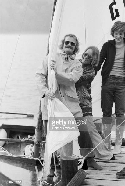 German comedian and dentist Guenter Willumeit sailing with his wife Karin, Germany late 1970s.
