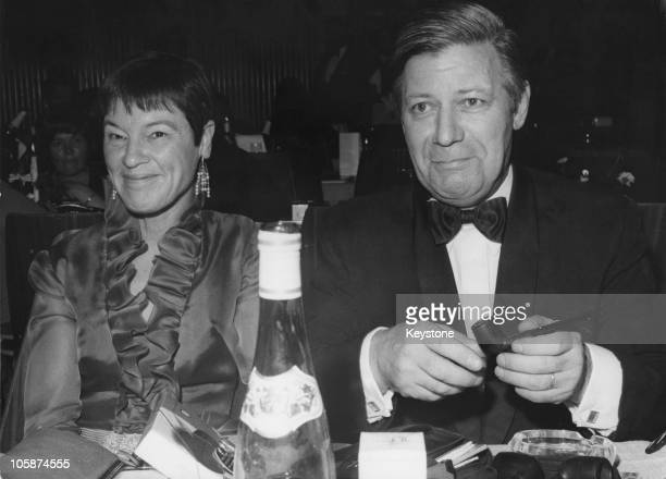 German Defence Minister Helmut Schmidt with his wife Hannelore 'Loki' Schmidt circa 1970