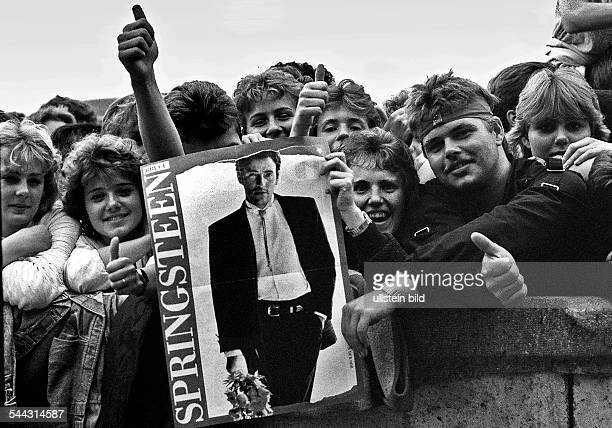 German Democratic Republic Bezirk Berlin East Berlin 5th Berlin Rock SUmmer of the FDJ fans of Bruce Springsteen at a concert at the bicycle stadium...