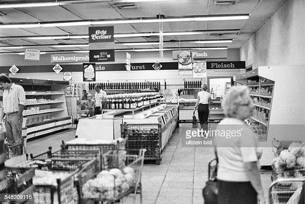 German Democratic Republic Bezirk Berlin East Berlin supermarket 1985