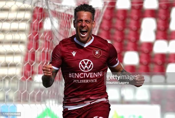 German Denis of Reggina celebrates after scoring his team's third goal the Serie B match between Reggina and Vicenza at Stadio Oreste Granillo on...