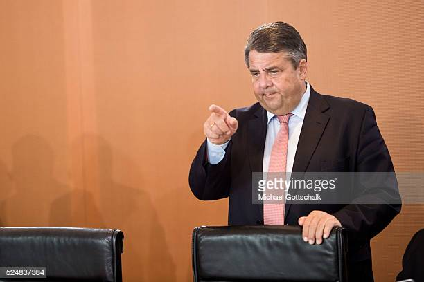 German Economy Minister and Vice Chancellor Sigmar Gabriel attends the meeting of german government cabinet in chancellery on April 27 2016 in Berlin...