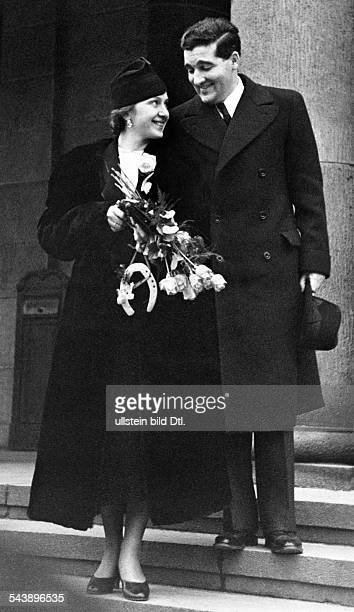 German Empire Brandenburg Province Berlin Bridal couple in front of register officeCarla Spletter and Dr Bischoff Photographer Paul Mai Published by...