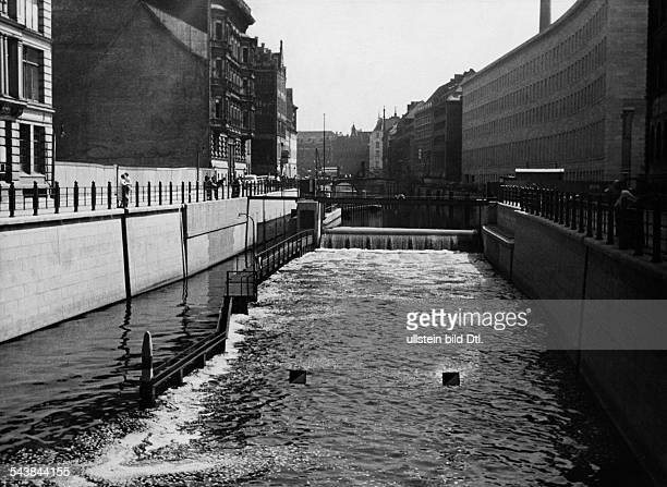 German Empire Free State Prussia Berlin Lockage on new building of the Reichsbank which was built during the renovations for the Muehlendamm weir in...