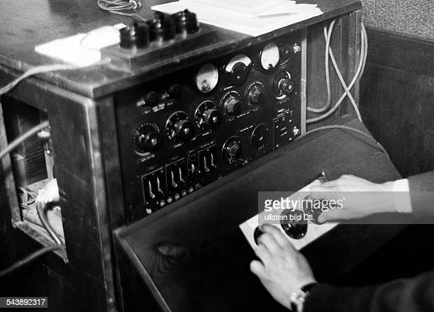 German Empire Free State Prussia Brandenburg Province Berlin Production of the German newsreel ' Wochenschau ' for German Cinemas Audio mixing on a...