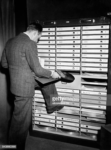 German Empire Free State Prussia Brandenburg Province Berlin Radio station ' Reichssender Berlin ' Man is looking for a record in the archive...