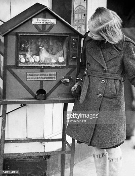 German Empire Free State Prussia Brandenburg Province Berlin sweets automat Photographer Ullmann Published by 'Hier Berlin' 36/1936Vintage property...