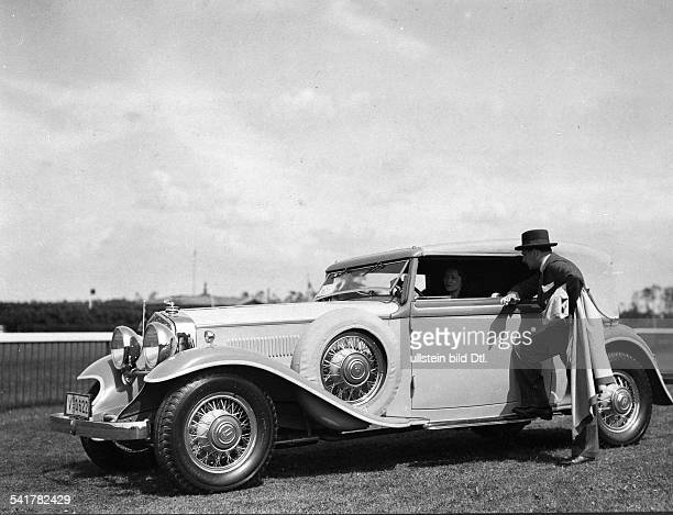German Empire Free State Prussia Brandenburg Provinz Berlin Baronesse Landenberg and her Horch Cabriolet at CarBeautyContest on Berlin...