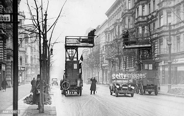 German Empire Free State Prussia Brandenburg Provinz Berlin Workings at the overhead line of the tram Photographer Published by 'Berliner Morgenpost'...