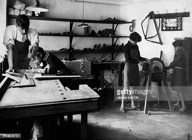 German Empire Free State Prussia Sachsen Provinz Letzlingen Pupils at the carpenter's shop Photographer Published by 'Vossische Zeitung'...