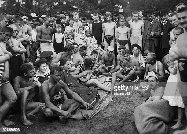 German Empire Kingdom Prussia Berlin Berlin: Spare time activities 'Die beach band at the lido on Baumwerder island, which lies between [the Berlin...