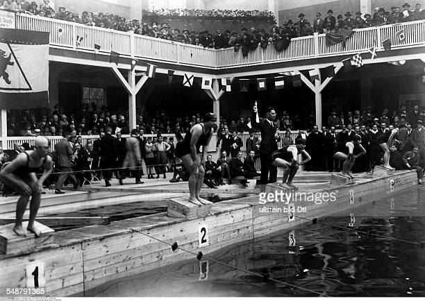 German Empire Kingdom Prussia Berlin Berlin Swimming start of a swimming competition for female swimmers at the amusement park Lunapark in Halensee...