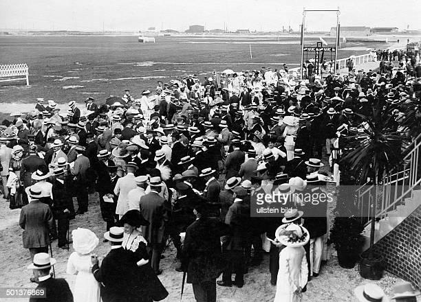 Norderney horserace dedication of the new racecourse Photographer Haeckel