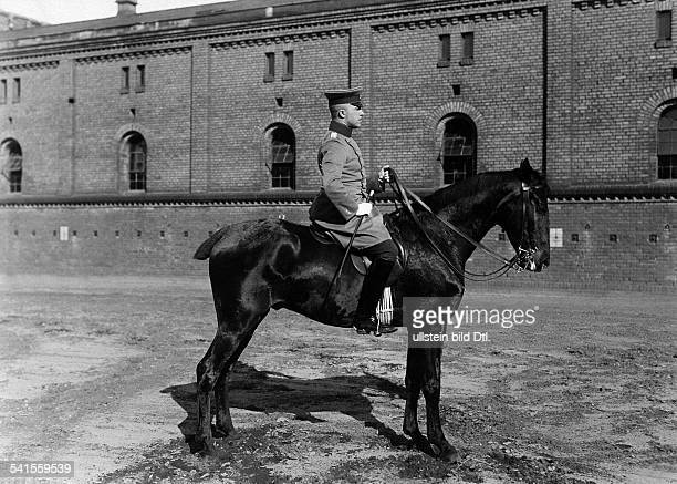 German Empire military 1st Garde Draggon Regiment in Berlin Kreuzberg dragoon on his horse 1905Vintage property of ullstein bild