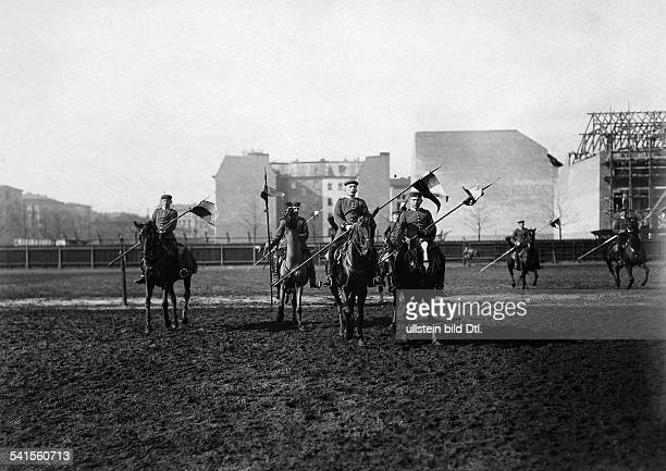German Empire military 1st Garde Draggon Regiment in Berlin Kreuzberg dragoon recruits on horses 1905Vintage property of ullstein bild