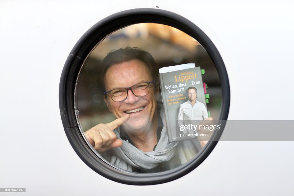 German Entertainer Wolfgang Lippert Poses With His Book Wetten