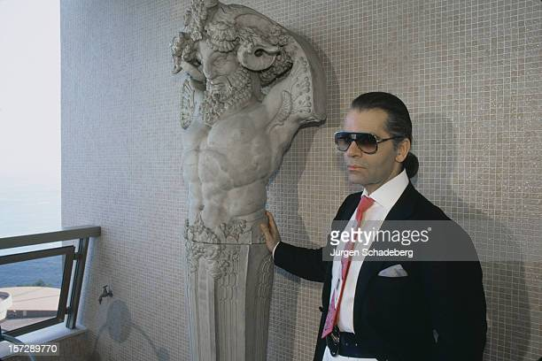 German fashion designer Karl Lagerfeld with a piece of sculpture 1984