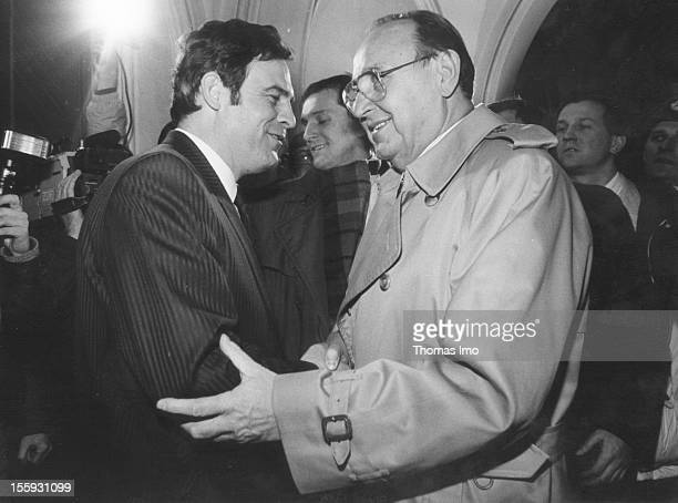 German Federal Minister of Foreign Affairs HansDietrich Genscher meets the pastor Laszlo Toekes leader of the Romanian resistance movement January 17...