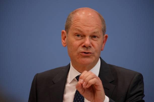 DEU: Finance Minister Scholz Presents 2022 Federal Budget Proposal