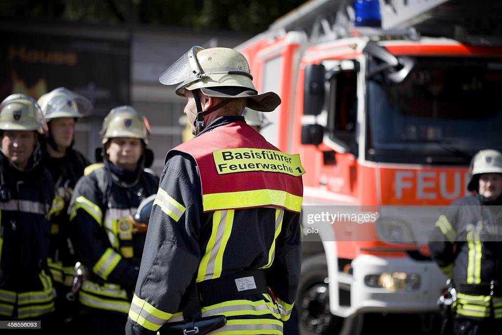 Alemão bombeiros : Foto de stock