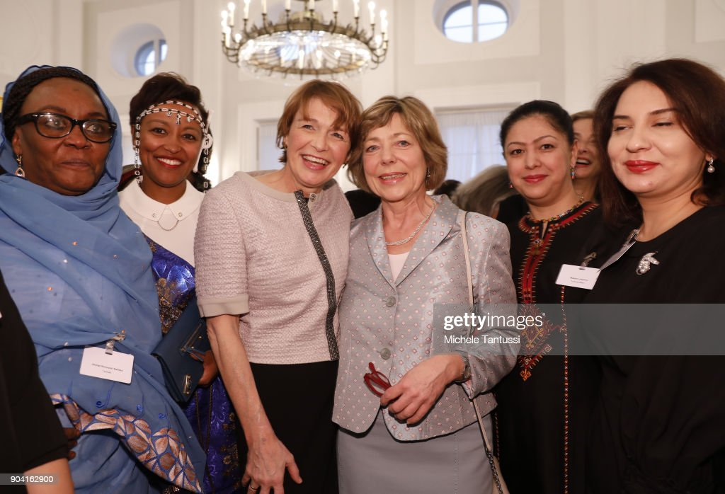 German First Lady Elke Buedenbender, center left poses with former German First Lady Daniela Schadt, center right, together with Ambassadors wives during the first Reception For Diplomatic Corp Wives in the Bellevue palace on January 12, 2018 in Berlin, Germany.
