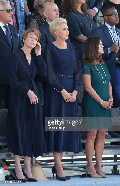 German First Lady Elke Buedenbender Polish First Lady Agata KornhauserDuda and Karen Pence wife of US Vice President Mike Pence attend an...