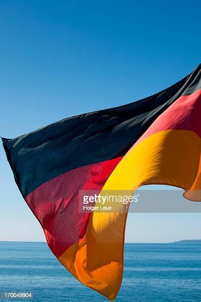 german flag aboard cruise ship ms deutschland - ms deutschland cruise ship fotografías e imágenes de stock